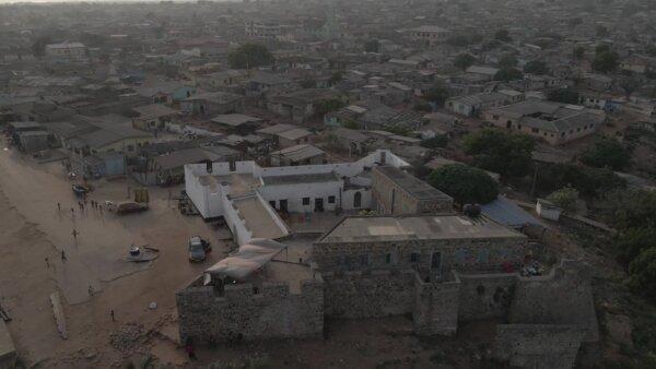 Fort Good Hope Senya Bereku Orbit Arc